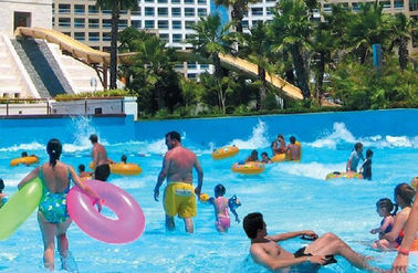 China Outdoor Water Park Wave Pool Wave Machine For Family Entertainment supplier