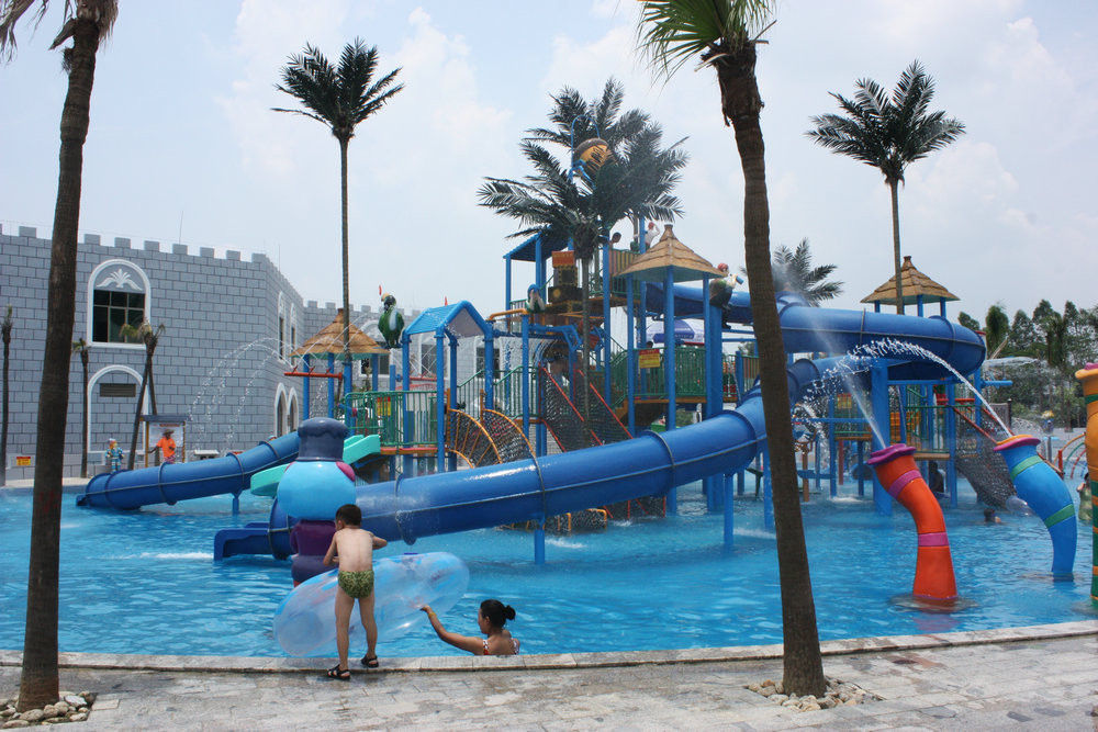 Gaint Water House Aqua Playground Platform With Slide For Family Fun