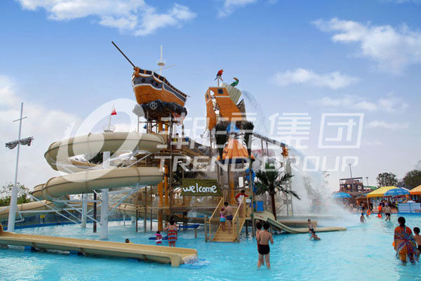 Colorful Outdoor Water Parks with Fiberglass Water Slides 29 x 27m Space